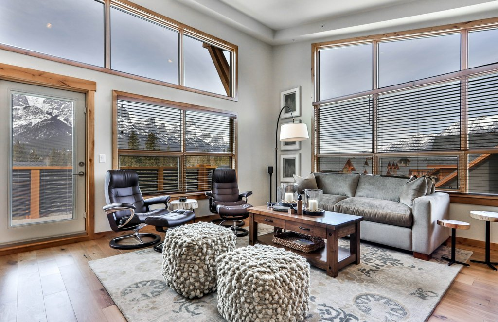 living room at #309 White Spruce Lodge